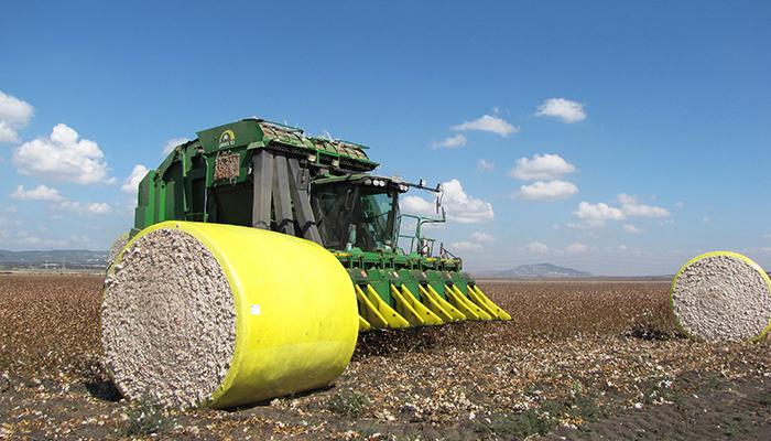 John Deere 7760 cotton picke