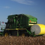 John Deere 7760 cotton picke